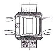 The fluid is not interrupted when the cleaner is launched and enters the cleaning valve,but when the pig was removed, the flow was interrupted briefly (side look)